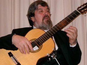 CCM welcomes guest artist Ghiglia, Oscar on Sunday, Oct. 8..