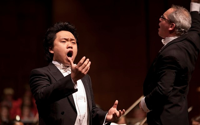 Artist Diploma candidate Yi Li with Mark Gibson and the CCM Philharmonia.