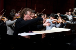 Distinguished alumnus Randy Edelman with the CCM Philharmonia. Photography by Dottie Stover.