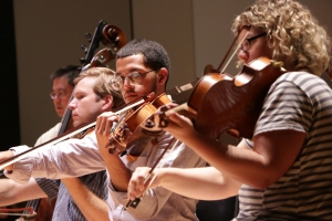 Diversity Fellow Emilio Carlo in rehearsal with the Cincinnati Symphony Orchestra.